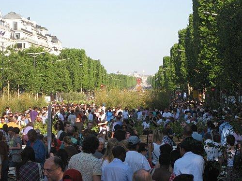 Champs-Elysees-Nature-Capital-Jardin-geant 4843