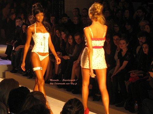 Defile etam lingerie 2010 26