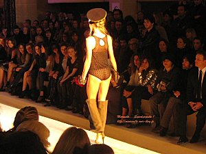 Defile etam lingerie 2010 8