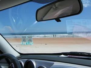 Souvenirs de Floride : Daytona Beach ou la plage à voitures !