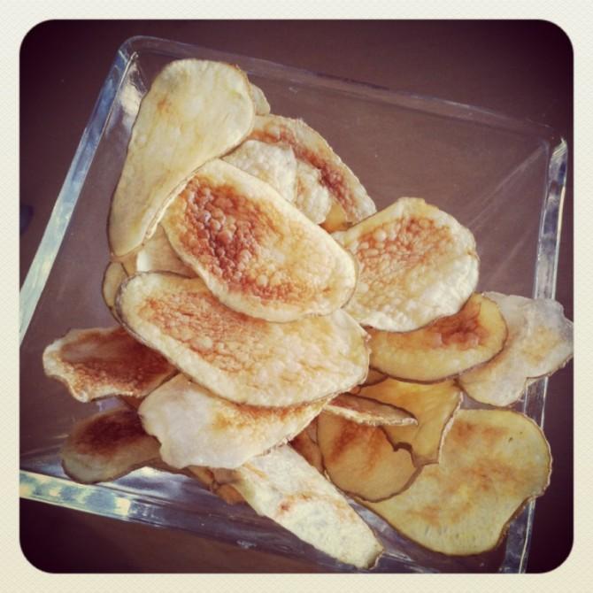 Des chips faciles au micro ondes marinette saperlipopette blog maman expat montr al et - Chips fait maison au four ...