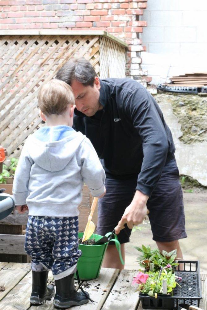 Notre jardin potager de ville cultiver en famille marinette saperlipopette blog maman for Blog jardin potager