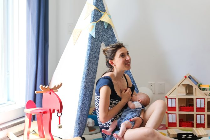 Marine_Famille-aline-dubois-allaitement