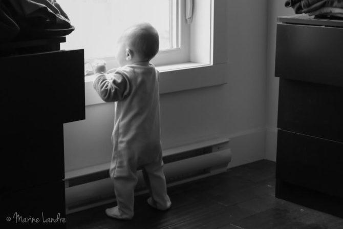 marinette-saperlipopette-bebe-fenetre